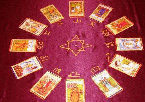 Selecciona tus 5 cartas del Tarot